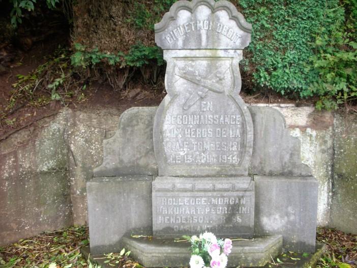 monument04