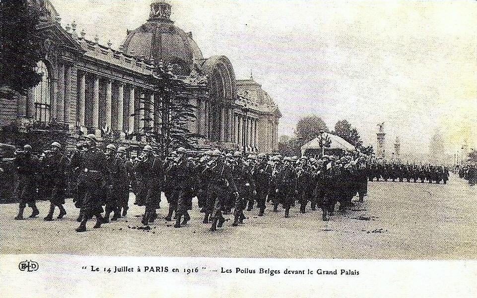 les-poilus-belges-devant-le-grand-palais-14-7-1916