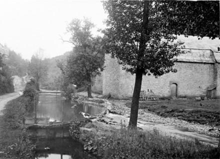 Grange aux dîmes et bief du moulin deLogne